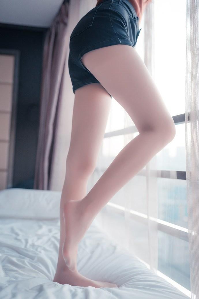 腿控小萝莉肉丝美腿 清纯丝袜