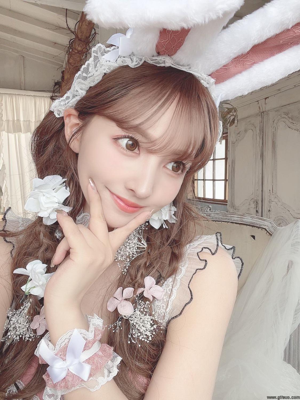 三上悠亚的兔子装扮