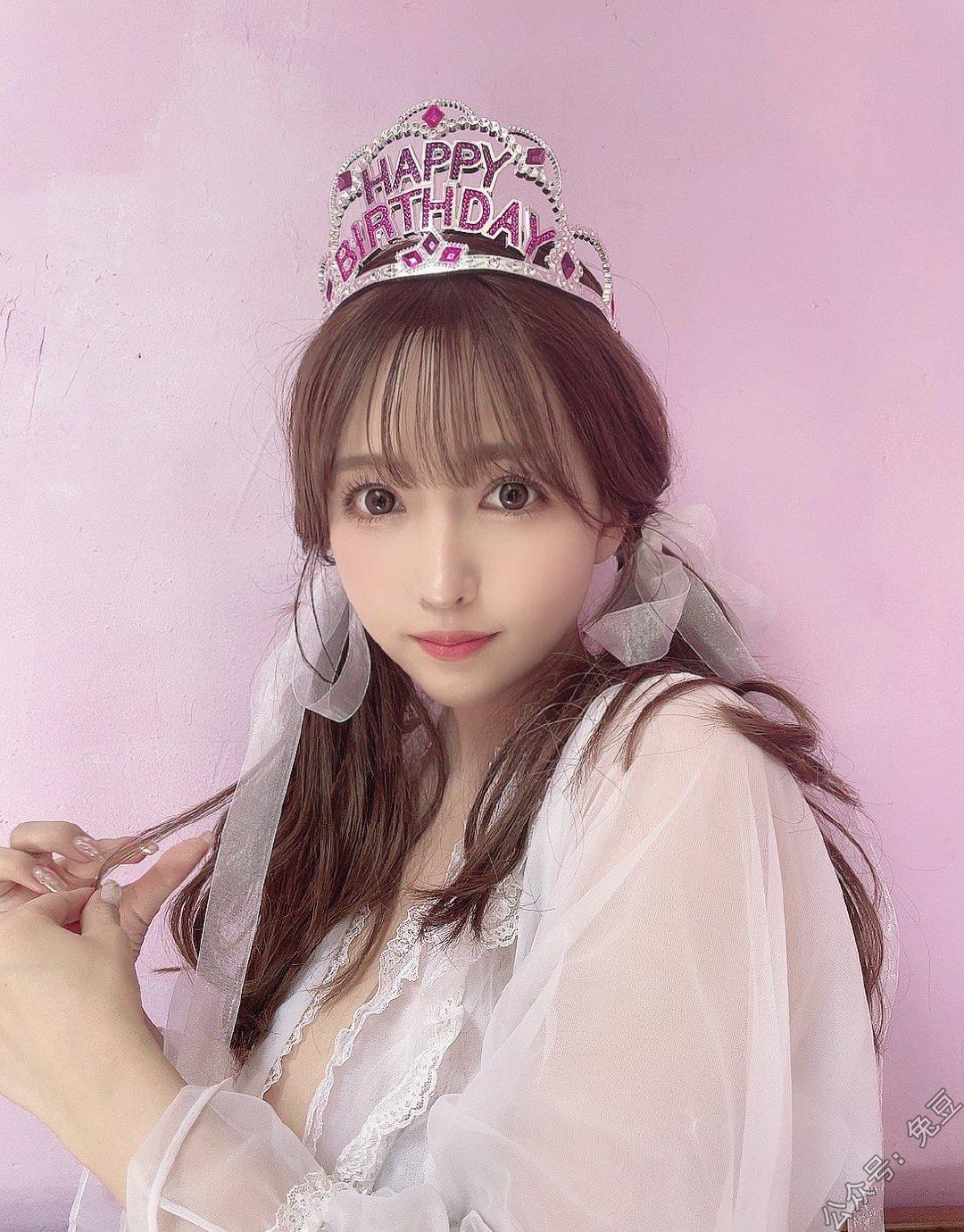 三上悠亚28岁生日 公主装扮仙气飘飘