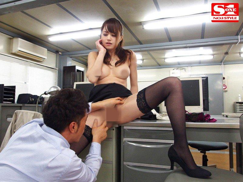 (SNIS-394)用身体来解决问题的女社长 吉泽明步新番作品