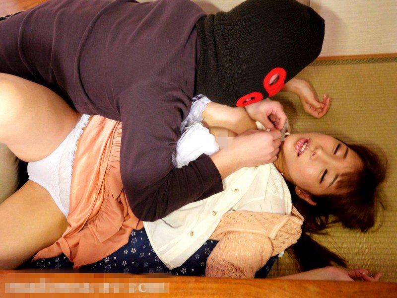 JUX-601 忍耐不住弟妹性感身姿的诱惑 早川濑里奈作品