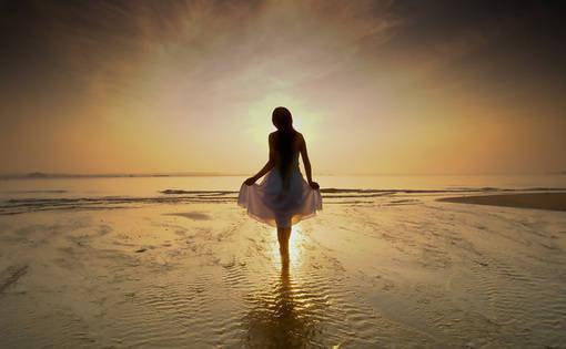 5月早安心语说说句子:生来便是平凡的命,却染上不愿将就的病