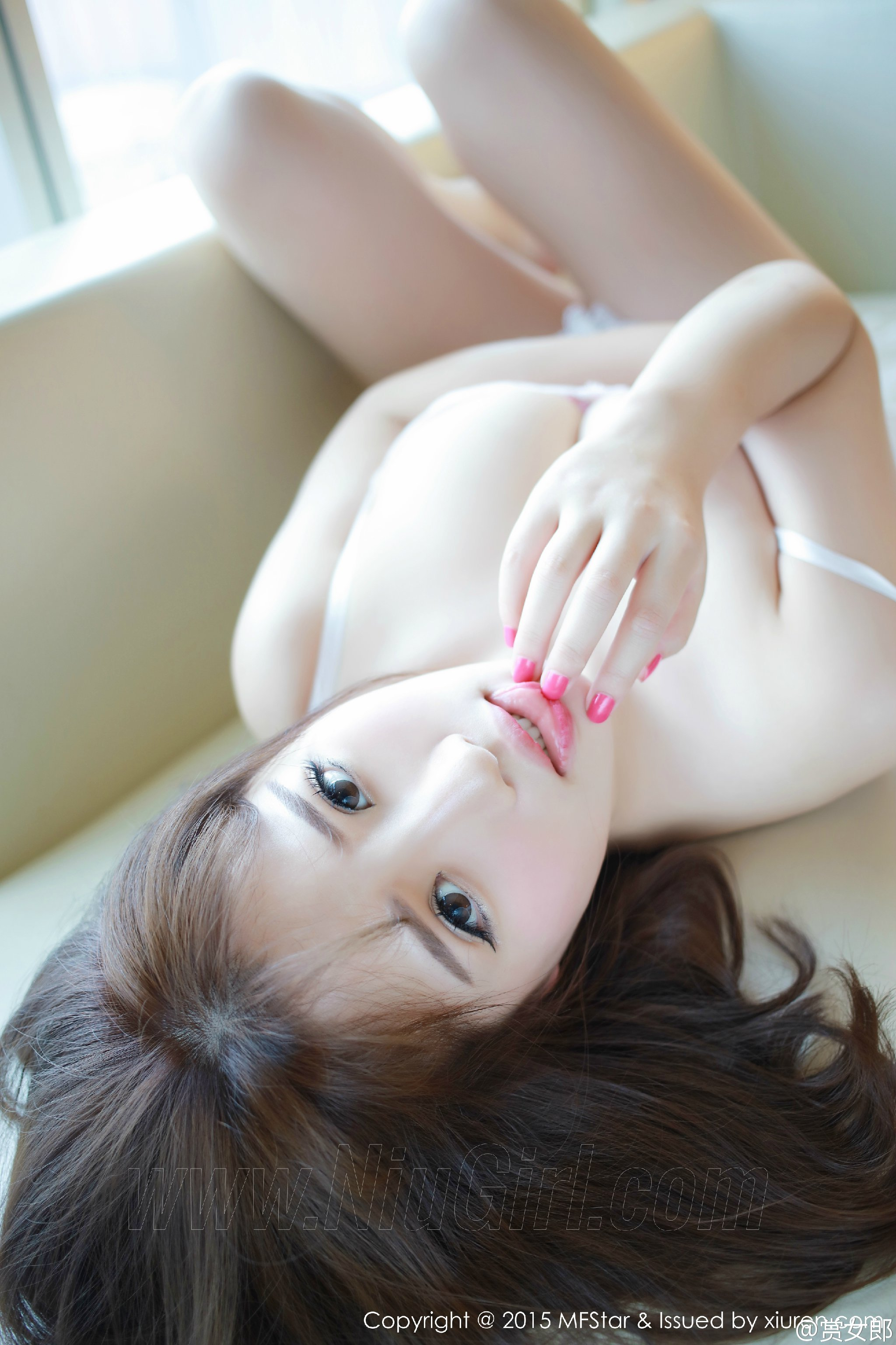 极品女神居家性感身姿高跟鞋丝袜诱惑 @徐cake 微博热搜 图30