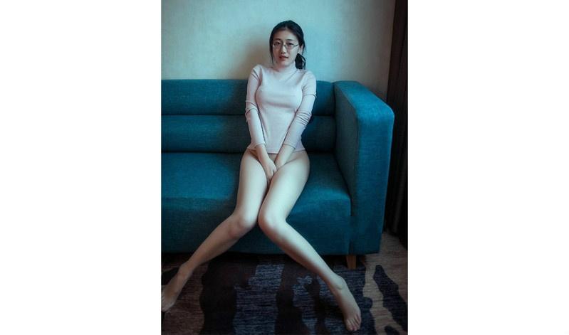虎扑美腿大赛话题人物:南京模特蜜桃大丸子