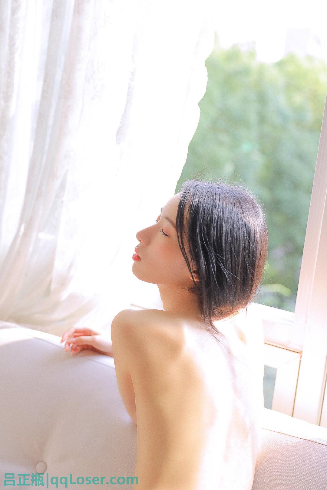 微博妹子@吕正瓶,清纯小姐姐在你生命中留下阳光!