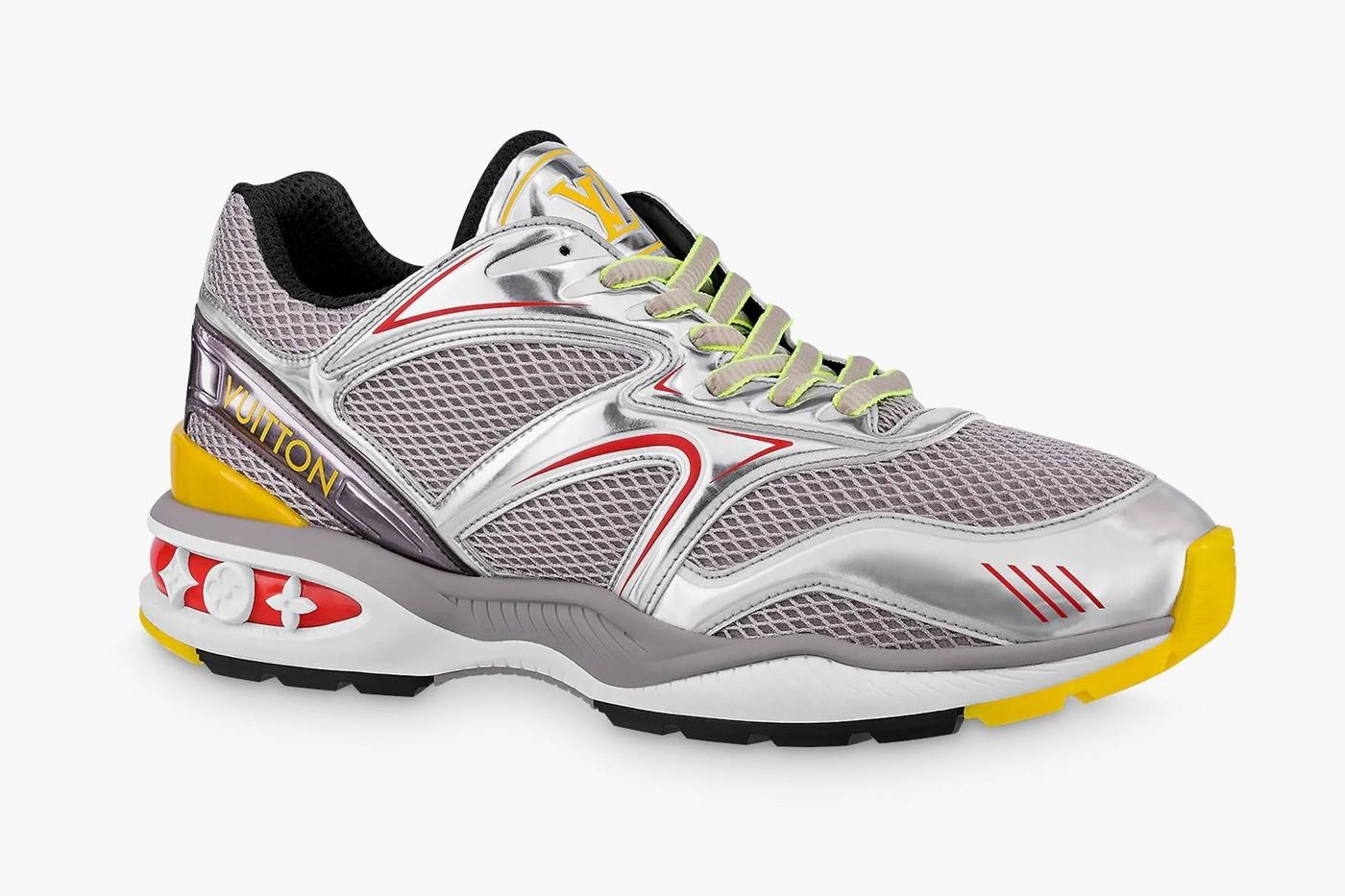 路易威登(Louis Vuitton)的LV Trail运动鞋是徒步旅行时引人注目的一种方法