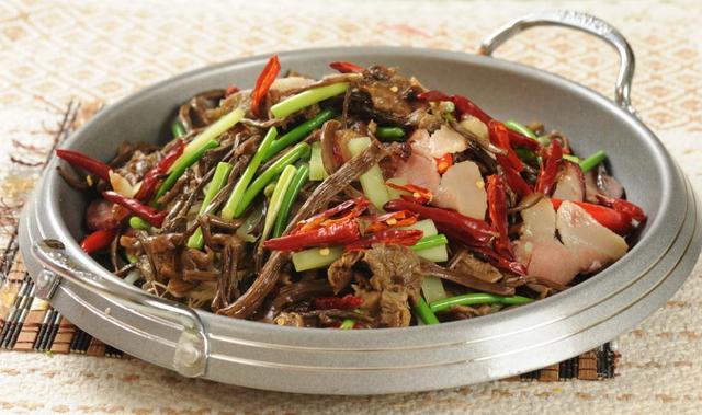 香辣美味的干锅菜肴,营养好吃详细菜谱来了