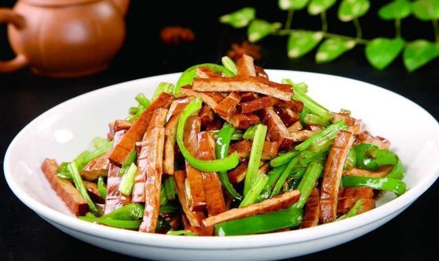 素食主义的自己做出的素菜总是喜欢,教你几招做法简单又好吃的做法