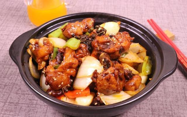 栗子鸡、家常黄焖鸡、口水鸡这些鸡肉菜谱的做法,总有一道适合你的味蕾