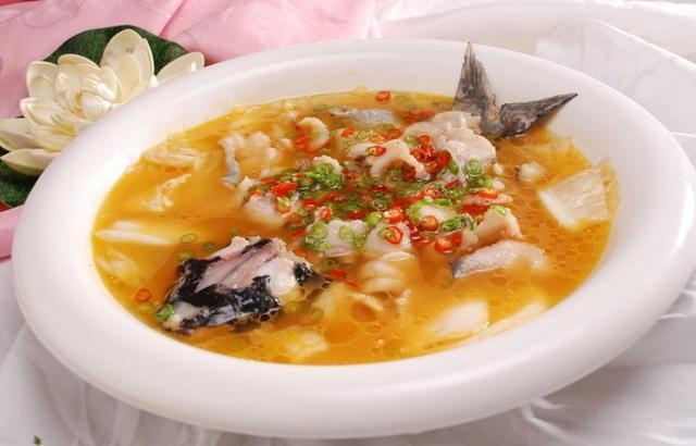 推荐几道做法简单的鲈鱼料理,松鼠桂鱼、酸汤鱼的做法,营养全面