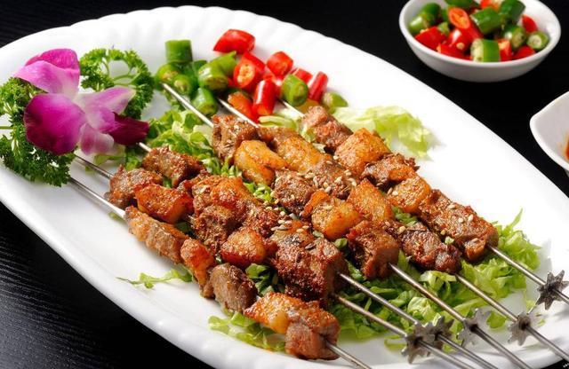 那些超火的街头小吃,骨肉相连、麻辣小龙虾、韩式烤肉、豆腐脑,快来看看你喜欢哪个