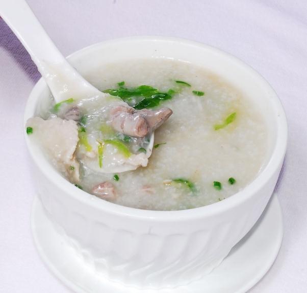 这几款皮蛋瘦肉粥、海鲜粥、虾仁粥的做法,保证让你胃口大开
