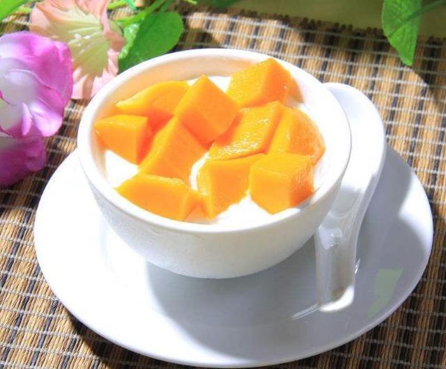 双皮奶、冰激凌香甜好吃不上火,也是最简单的美味冷饮小吃做法