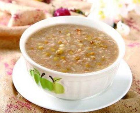 杂粮粥、红枣粥、小米南瓜粥、养颜粥、绿豆粥、腊八粥、燕麦粥的做法大全,软糯香甜,营养好喝又养胃