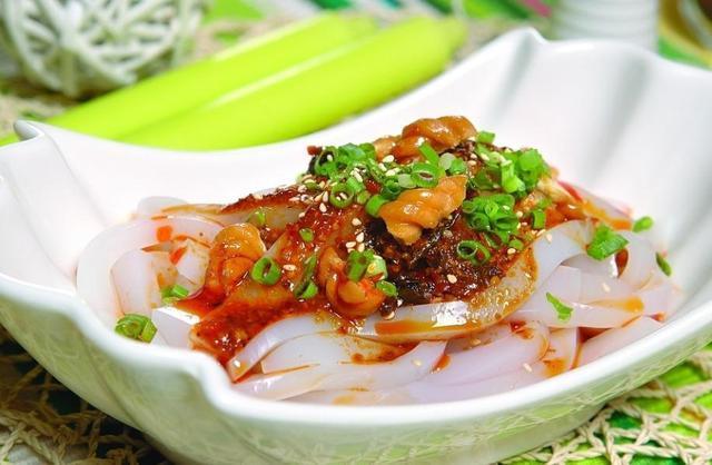 凉拌苦瓜、凉粉、毛肚、鸡爪、海带丝这样的做法才是最好吃的