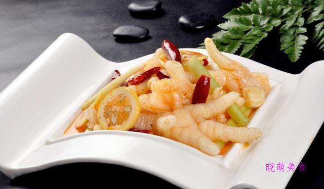 红油腐竹、猪心、鸡爪、肚丝、手撕鸡这样的做法,香辣美味,连吃几天都不腻
