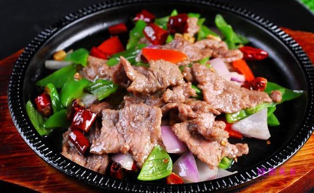 青椒回锅肉、青椒炒肉丝、虎皮青椒、青椒炒牛肉的美味做法好好吃