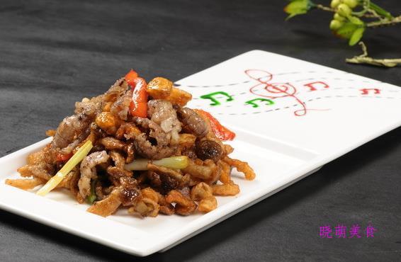 干煸豆角、辣子鸡、猪肘的家常做法,香辣美味又下饭
