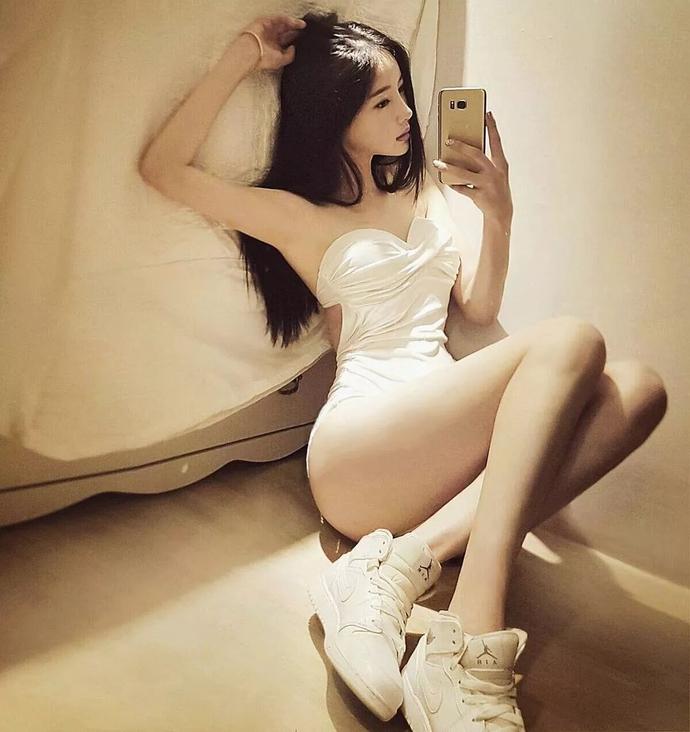 Ban Seo Jin- 韩国超正美腿模特儿