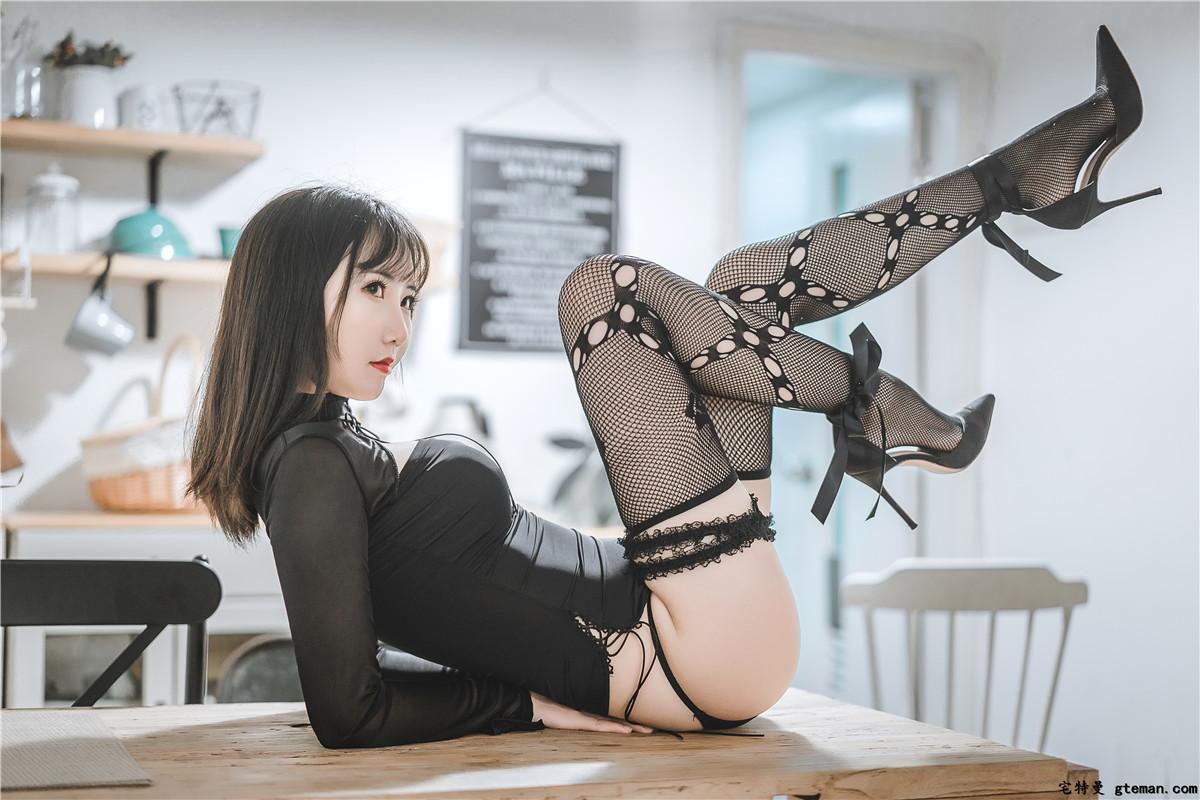 面饼仙儿 黑蛇袜情趣主题写真-觅爱图