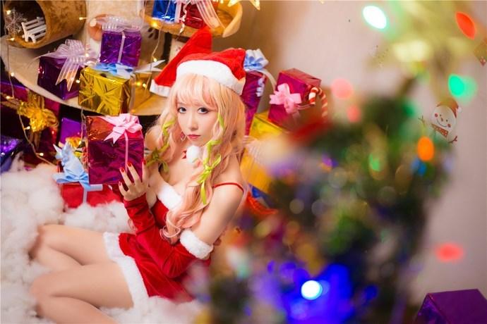 爱吃糖果的圣诞小萝莉