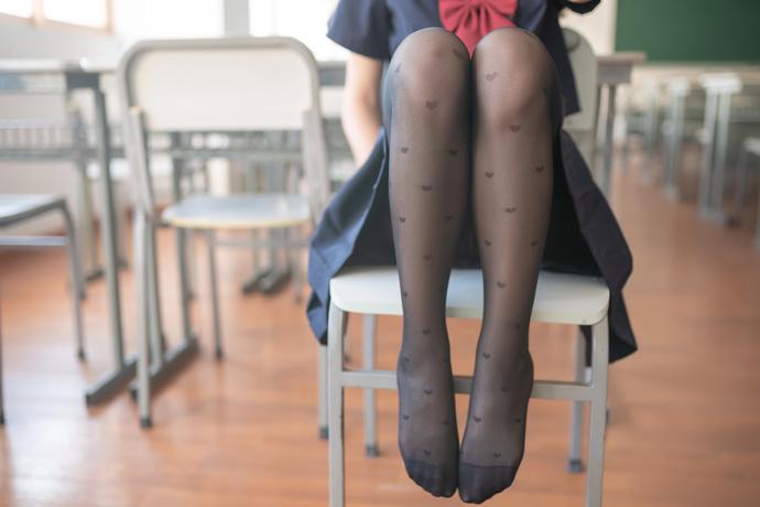 黑丝 jk 学妹 四下无人竟然这样 清纯丝袜