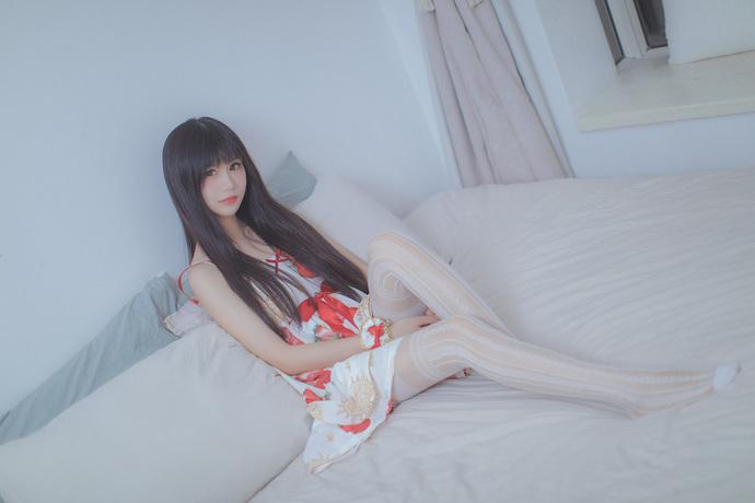 超可爱的草莓裙小姐姐 清纯丝袜