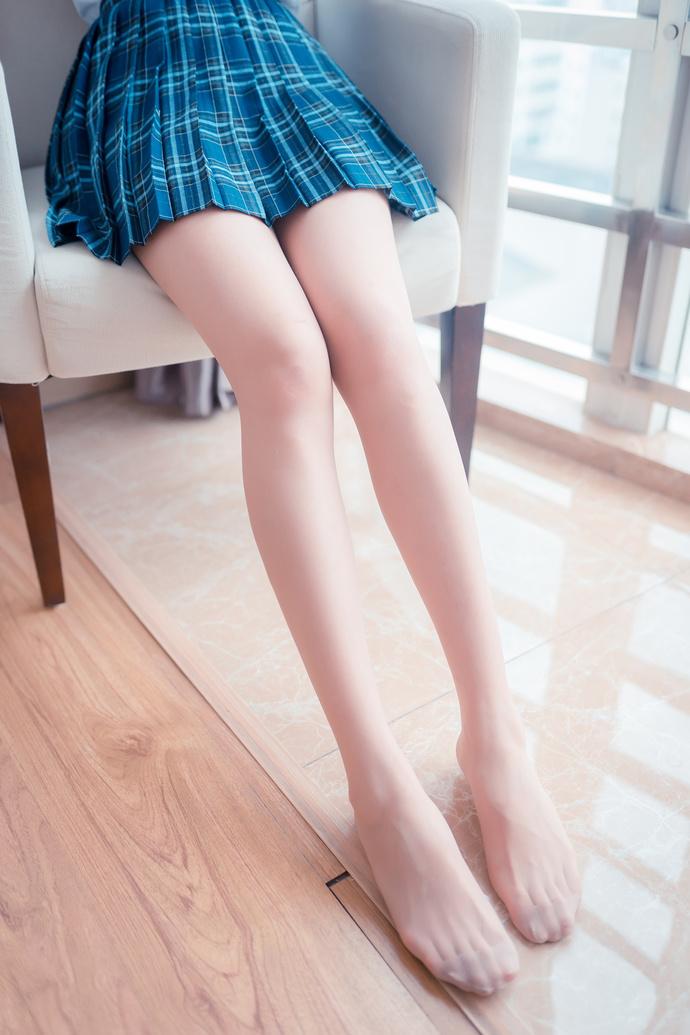 蓝格裙的 rosi 美腿