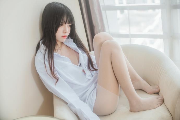 桜桃喵 001 白衬衫的性感少女 中日妹子