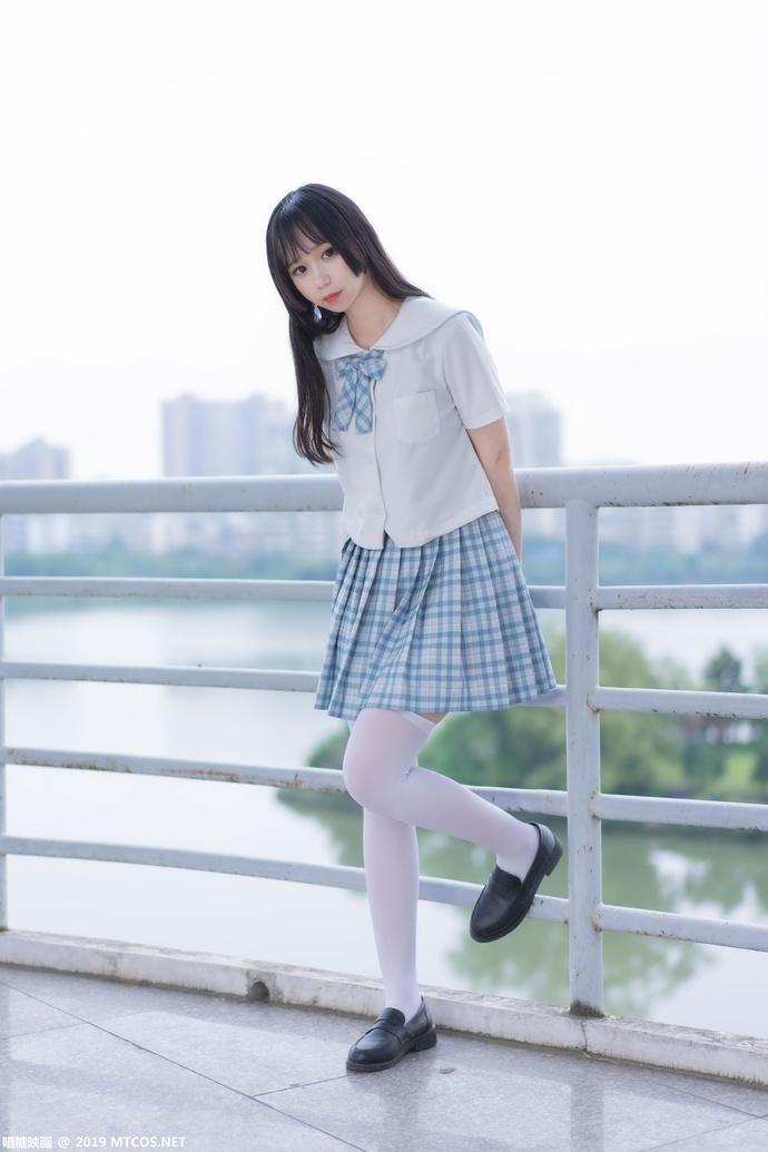 瞄糖映画 VOL-015 江边游玩的白丝格子裙少女 中日妹子