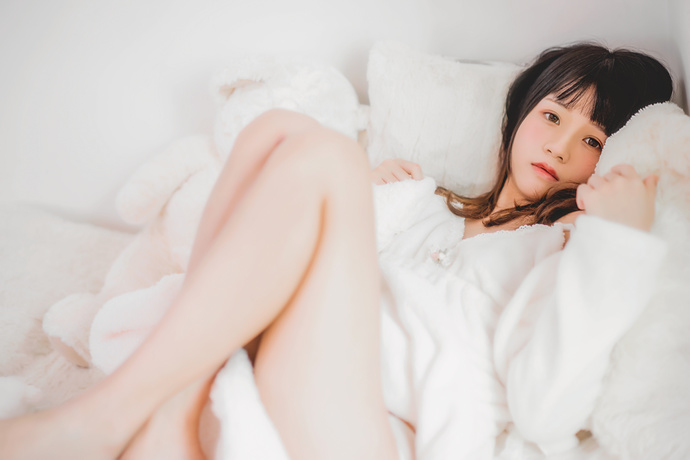 桜桃喵 015 冬日里的猫冬少女
