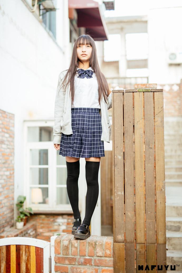 神乐坂真冬的 JK 制服 清纯丝袜