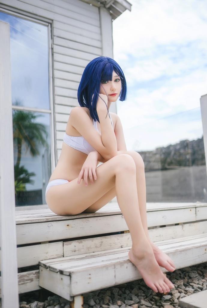 度假的泳装少女 中日妹子