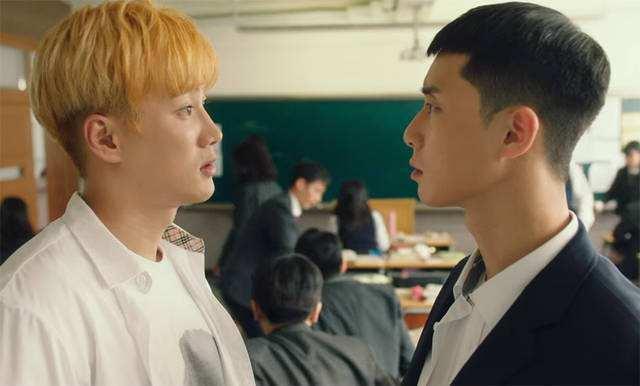 韩国热播电视剧《梨泰院class》评价:漫画原作高达9.9分的神作!紧凑的剧情紧紧地吸引着观众!