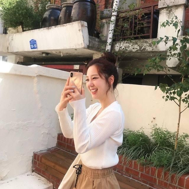 天气预报的时候突然响起音乐!韩国漂亮女主播金可英马上跳舞《Any Song》!-四斋社