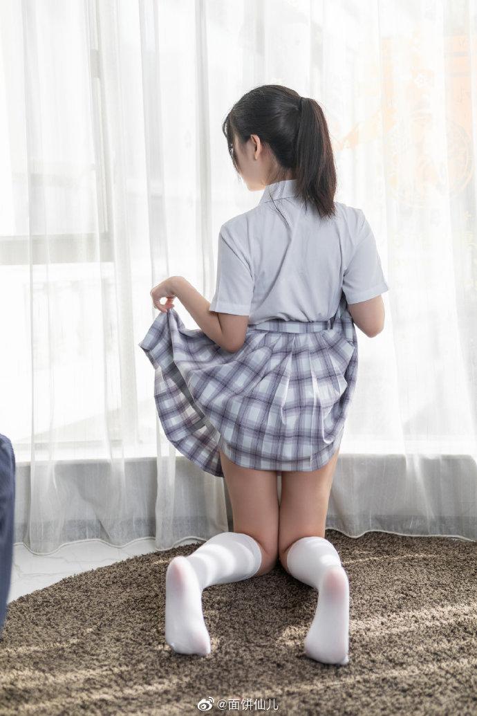 【微博妹子图每日推荐】C级短发小姐姐身材太好,有点顶不住!微博动漫博主面饼仙儿COSPLAY美图欣赏