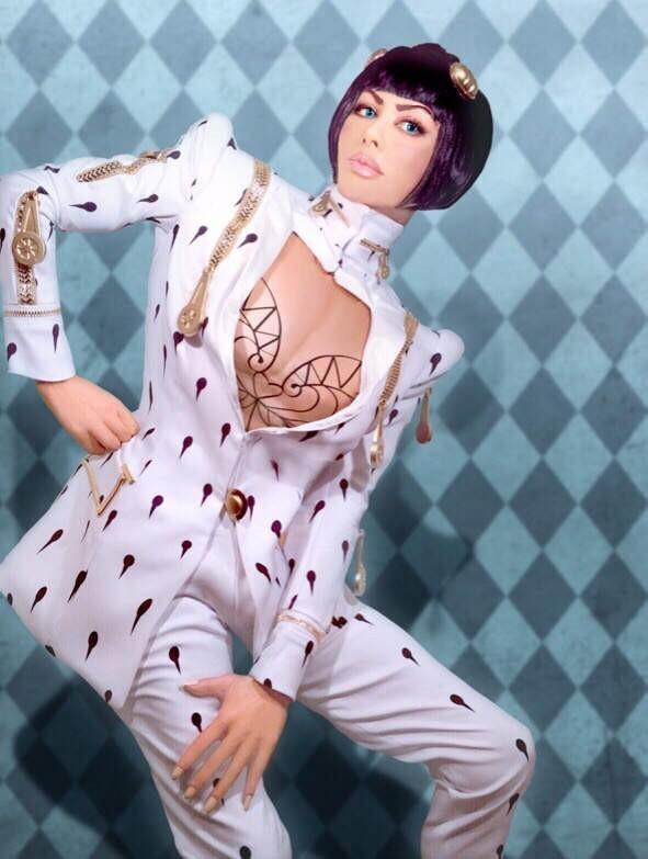 日本知名演员叶恭子带来最新cosplay:这一次叶恭子cos的是JOJO!