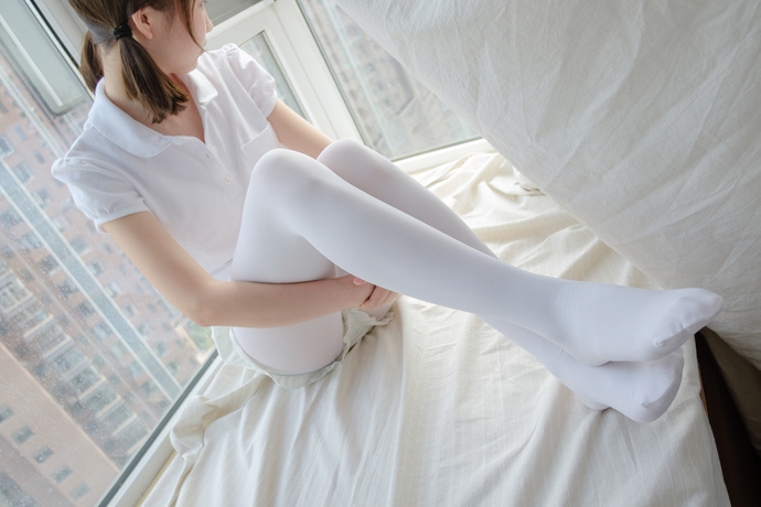 【足控绅士】甜美可爱的萌萌哒白丝玉足小姐姐写真 腿控领域