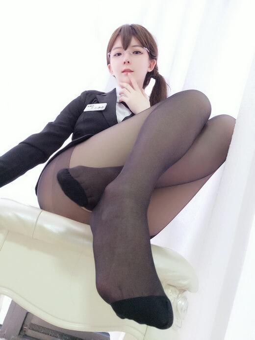 【图包合集】COSPLAY美女一小央泽黑色丝袜图包【40套9.5G】!一小央泽是日本人吗?