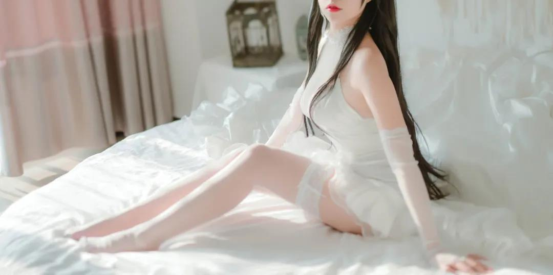 【COSPLAY美女】婚纱的白色蕾丝袜玉足 喵糖映画 VOL.100 婚纱爱宕 [40P-972MB]