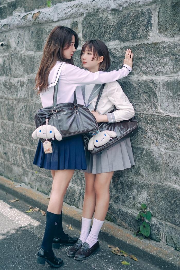 【四斋社妹子图】微博知名动漫COS妹子博主@面饼仙儿 小仙女的百合写真