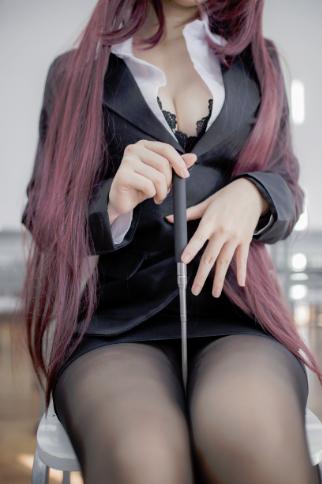 【四斋社妹子图】微博知名动漫COS妹子博主@Yoko宅夏 教室的黑色丝袜