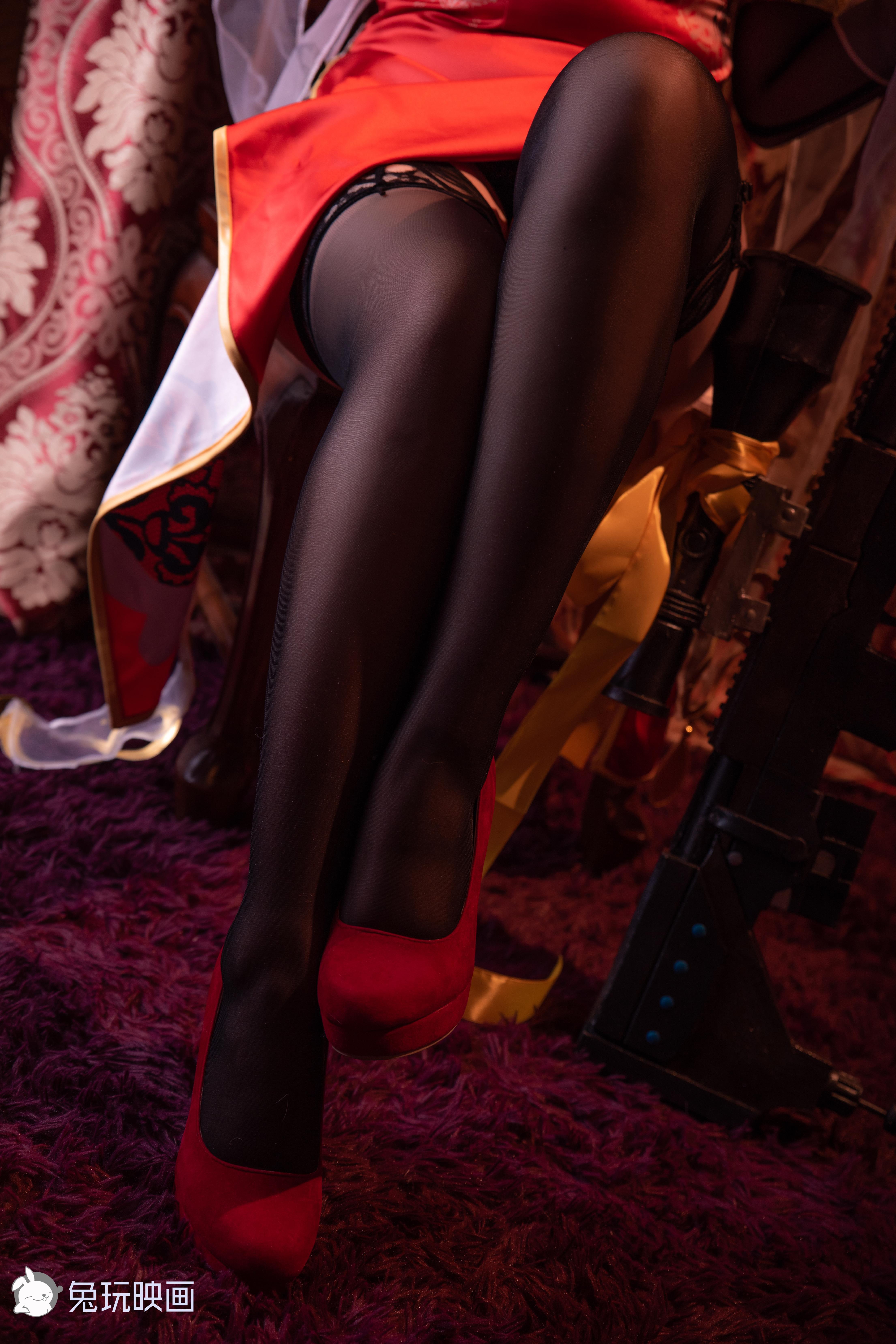 【四斋社妹子图】微博知名动漫COS妹子博主@兔玩映画最新作 黑色丝袜