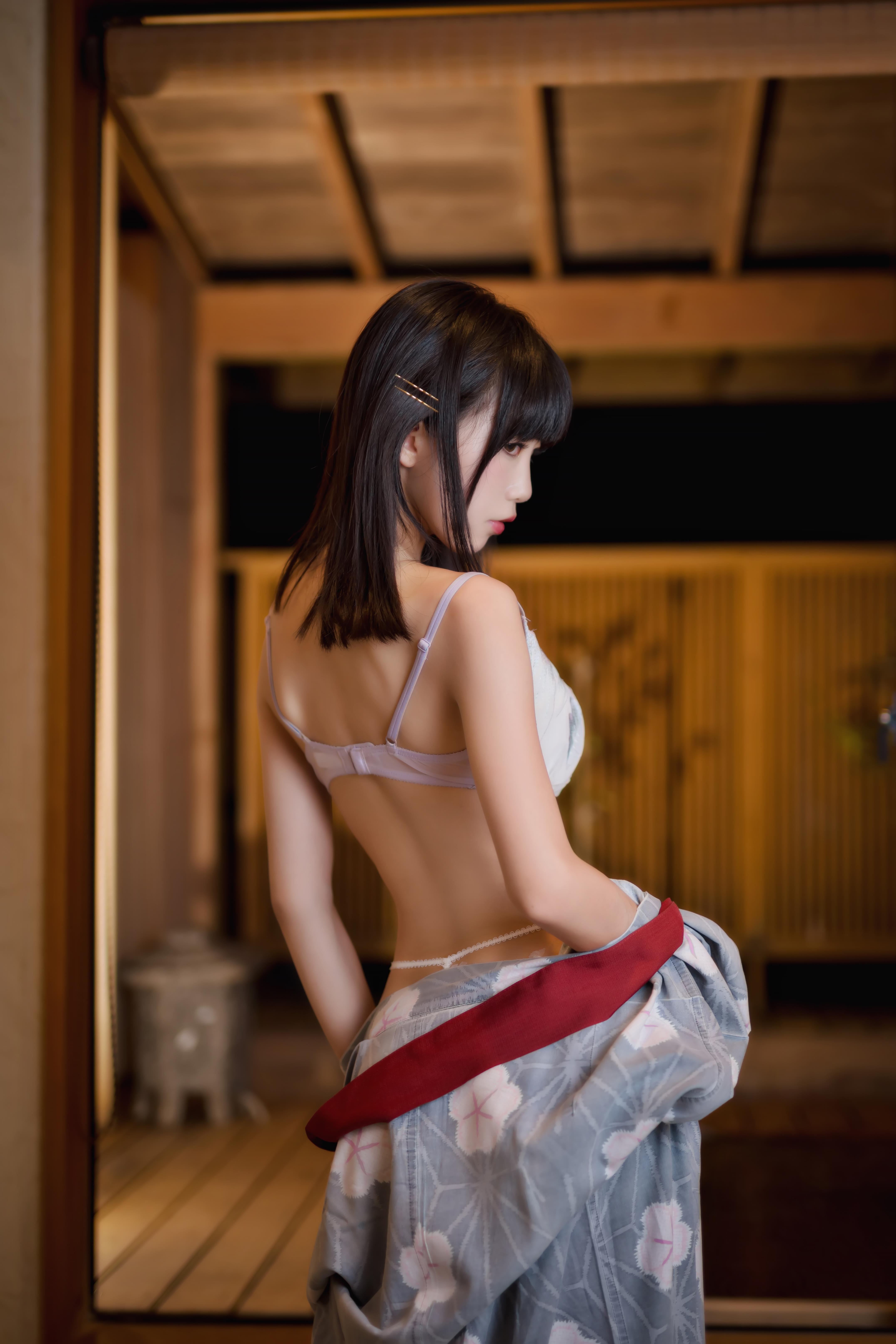 【四斋社妹子图】微博知名动漫COS妹子博主@水淼aqua的微博 浴衣下的美少女