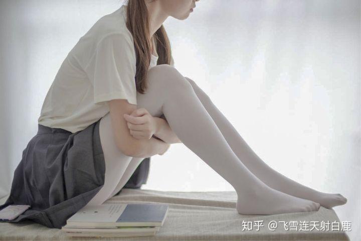 逼乎:超级超级贵的丝袜到底有什么不一样的地方?