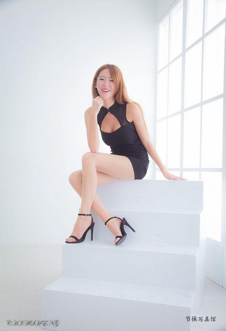 腿模Winnie(庄温妮,庄咏惠)写真作品
