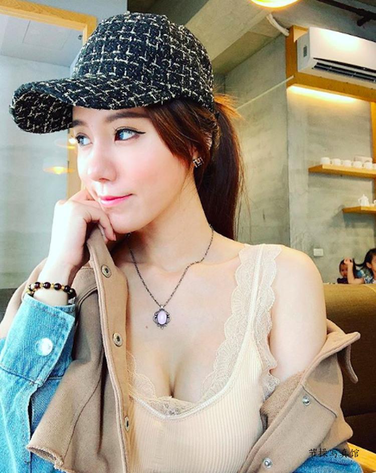 大胸妹Luna Chen滢滢写真图片衣着好火爆,白皙曼妙曲线超惹眼 节操写真馆 热图17
