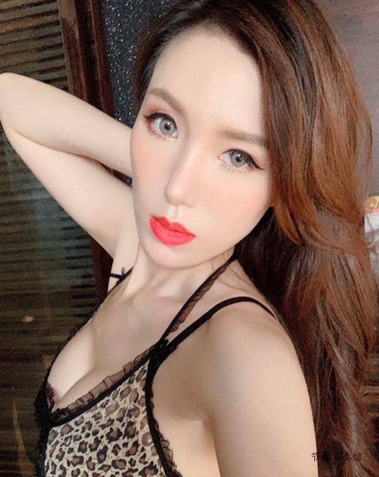 大胸妹Luna Chen滢滢写真图片衣着好火爆,白皙曼妙曲线超惹眼 节操写真馆 热图18
