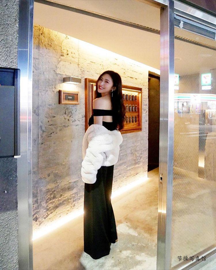 性感美女徐明郁Nikki写真图片,黑色套装露出半球惹人爱 美女精选 第4张
