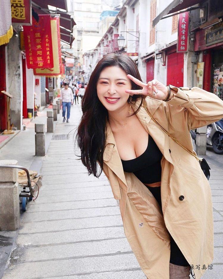 性感美女徐明郁Nikki写真图片,黑色套装露出半球惹人爱 美女精选 第5张